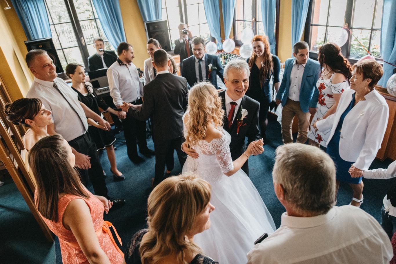 Tanec s otcem na svatbě