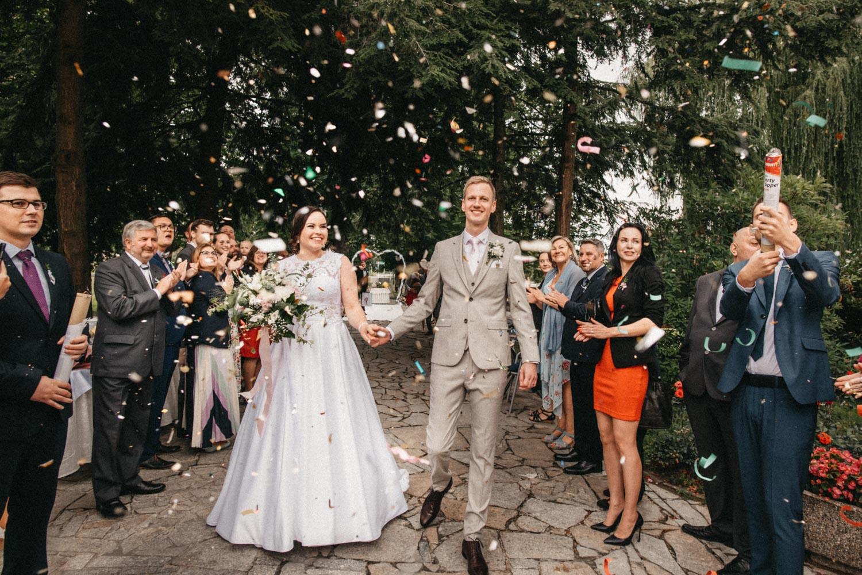 svatba v chalupkach 26 novomanželé