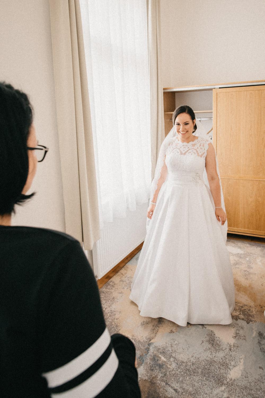svatba v chalupkach šaty nevěsty 3