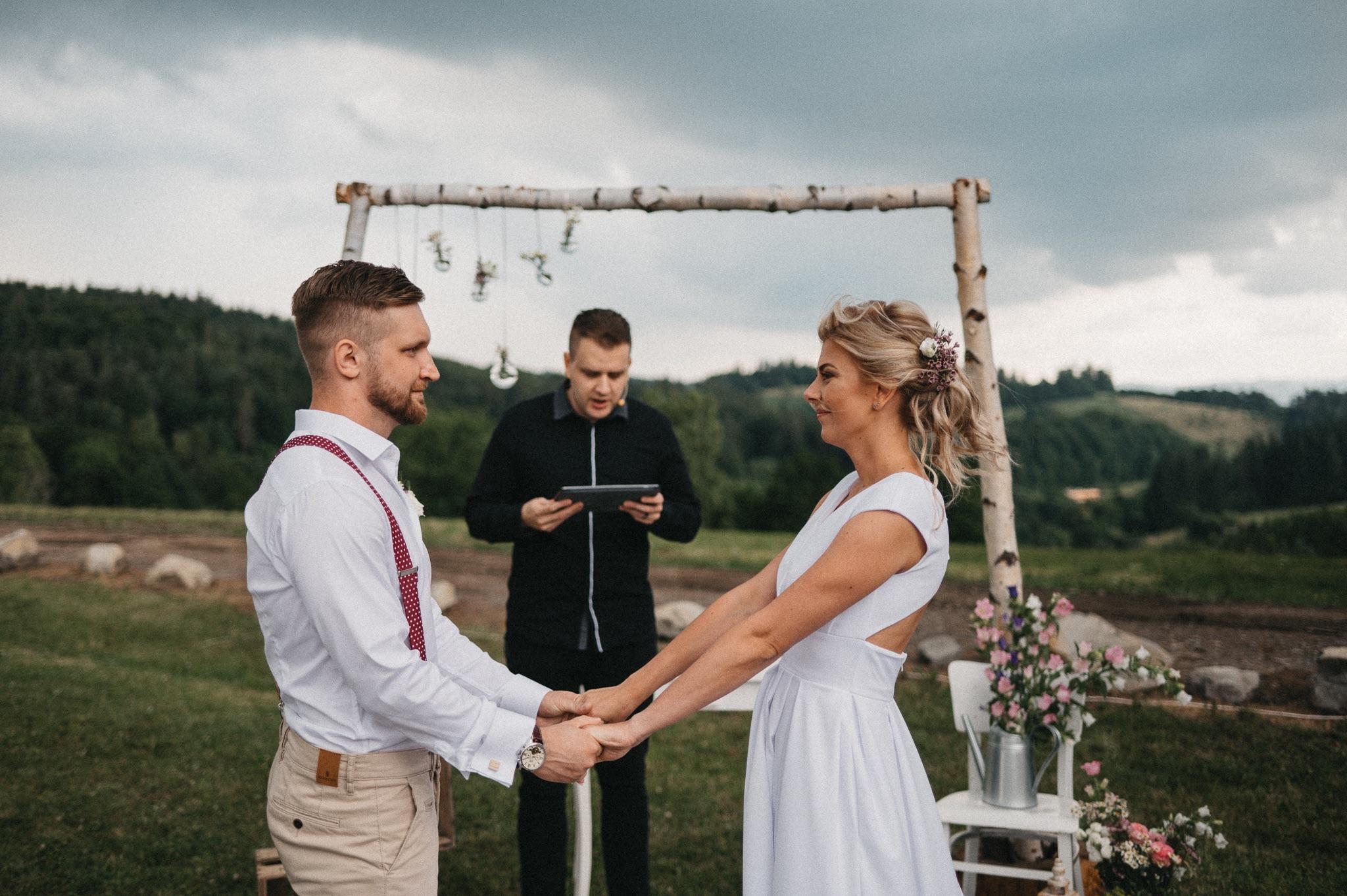Boho svatba pod širým nebem